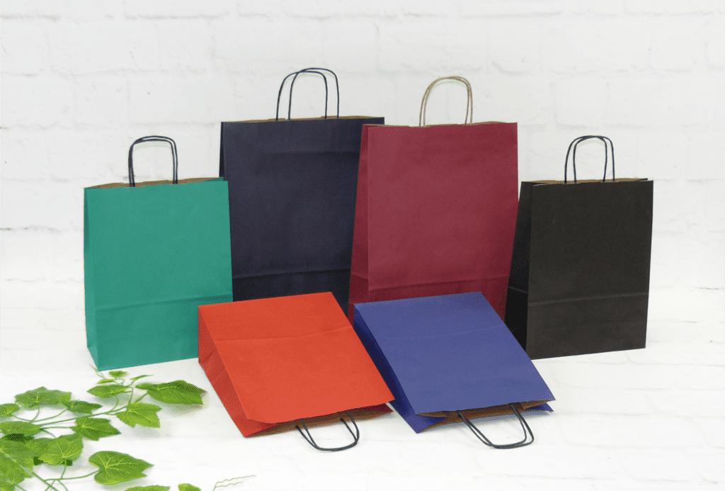 kolorowe torby papierowe z uchwytem skręcanym